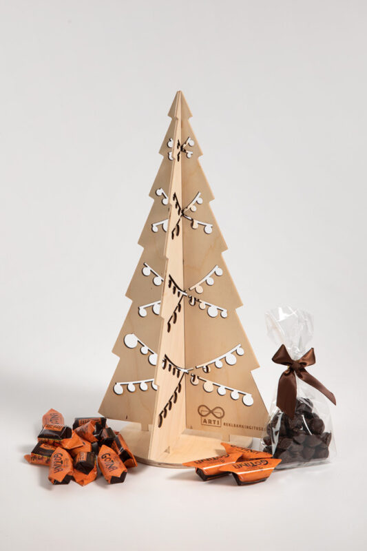 Taaskasutatav jõulukuuse kinkekomplekt
